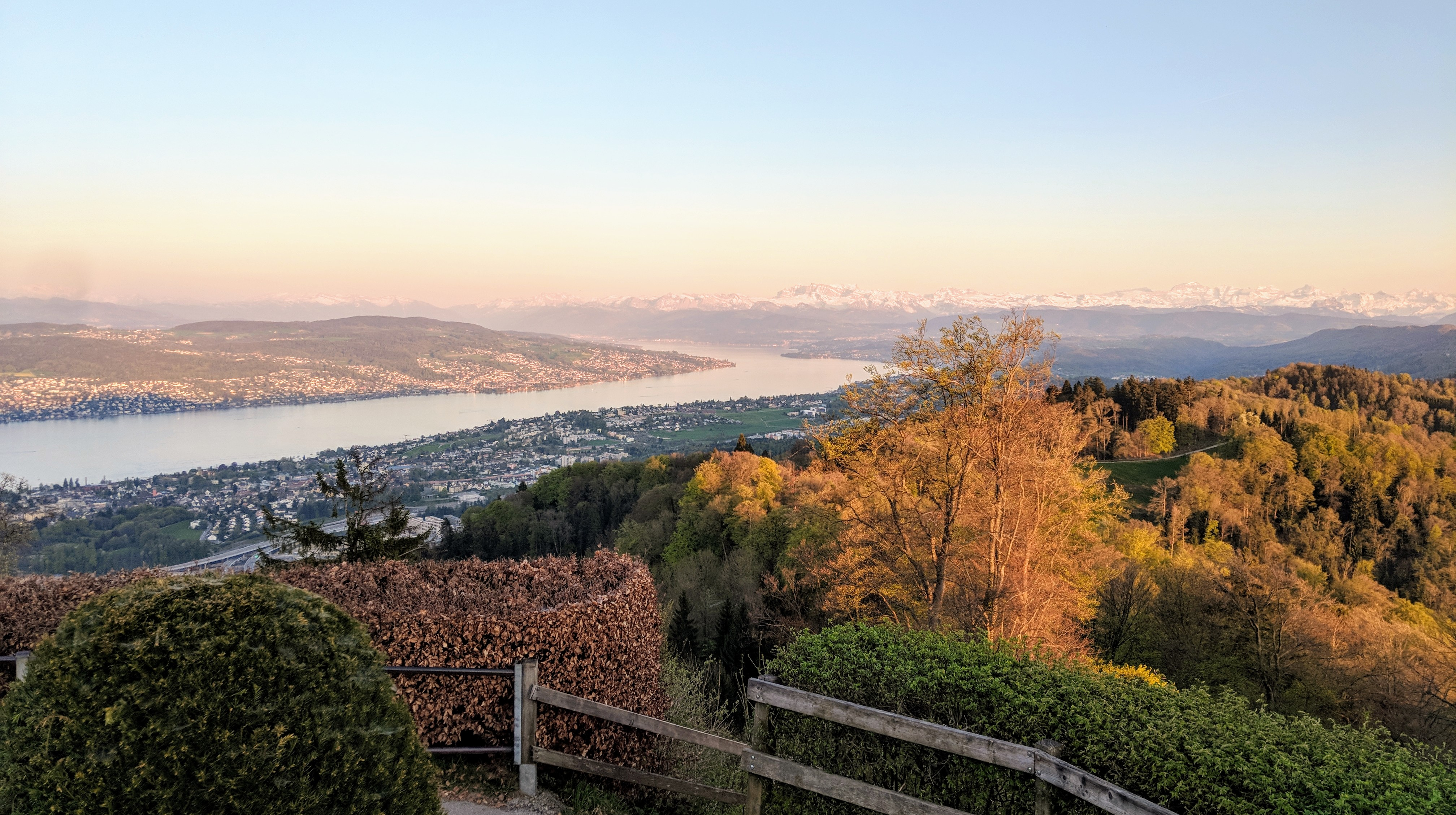 Running route in Zurich - View From Uetliberg Over Lake