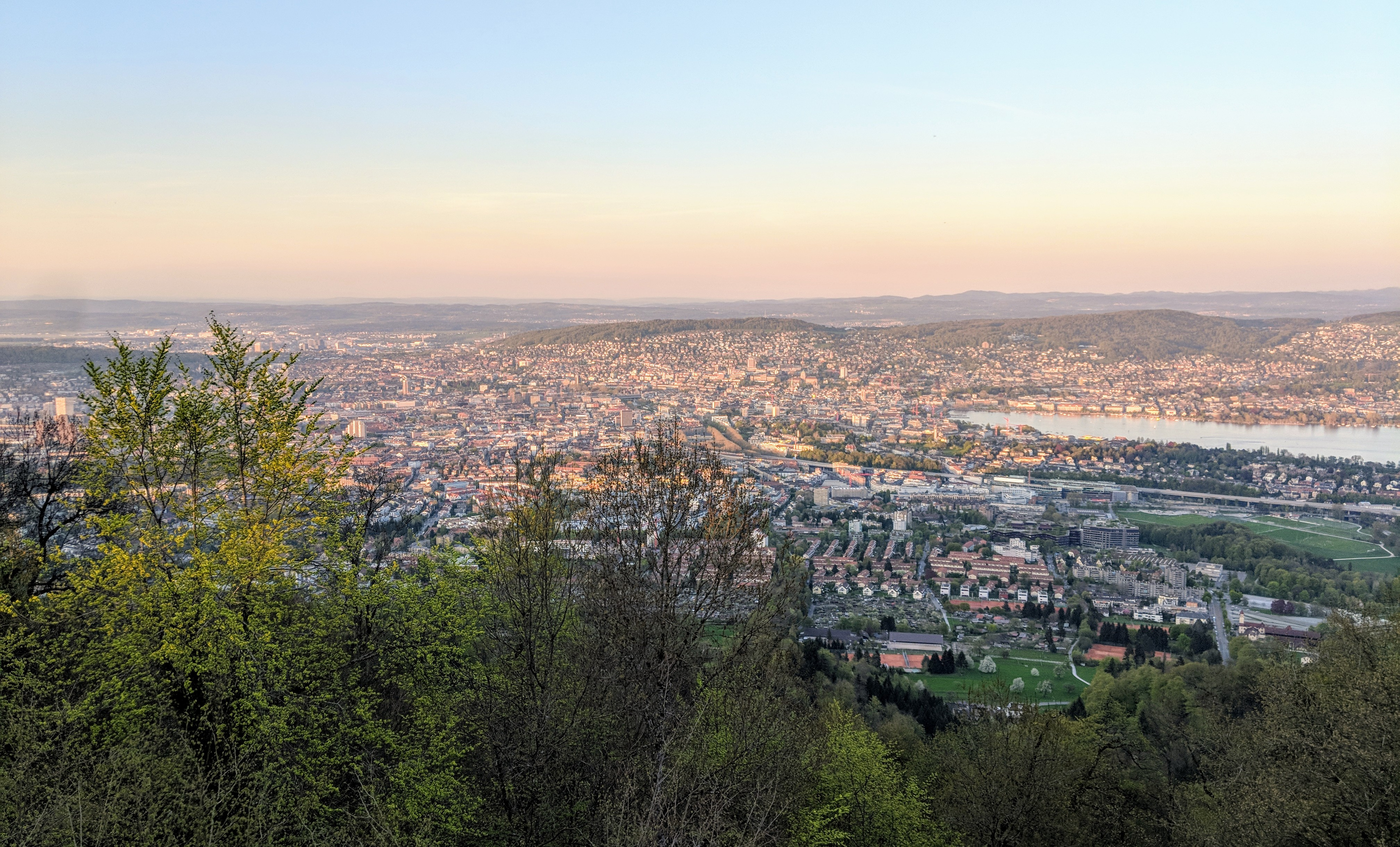 Running route in Zurich - View From Uetliberg Over City
